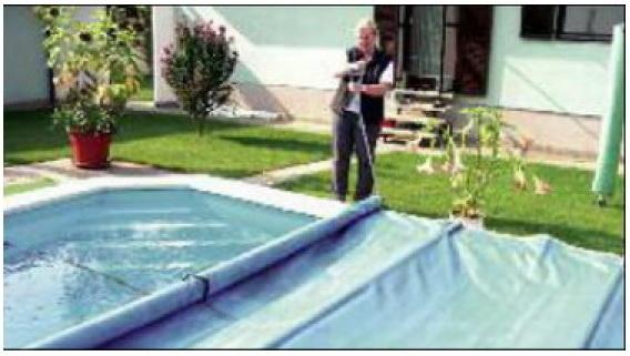 Rollschutz als pool sicherheitsabdeckung aus pvc gewebe for Gewebefolie pool
